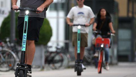 Wer mit dem Rad durch die Stadt kommt, wird auch mitdem Scooter zurechtkommen (Symbolbild)