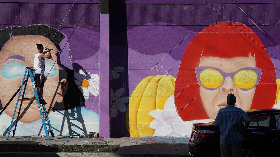 InWynwood: Anlässlich der Art Basel Miami Beach wird eine Hauswand mit einem Gemälde vonCloe Hakakian verschönert.