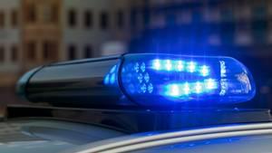 Das Blaulicht auf einem Fahrzeug der Polizei