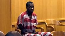 Alvin Kennard sitzt bei seiner Anhörung in einem Gerichtssaal