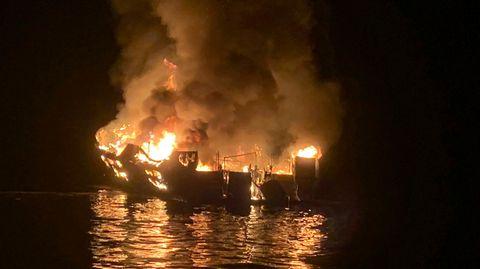 Das brennende Tauchboot vor Santa Cruz Island, Kalifornien