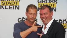 """Produzierten gemeinsam viele Kinoerfolge: Til Schweiger (l.) und Tom Zicklerkommen 2013 zur Premiere des Kinofilms """"Grossstadtklein"""" nach Berlin."""