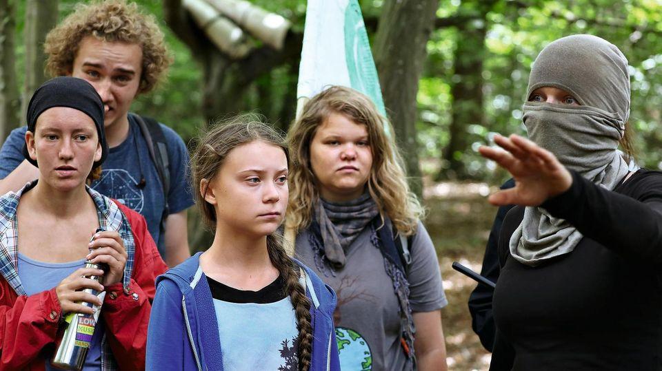 Greta Thunberg (M), Klimaschutzaktivistin im Hambacher Forst