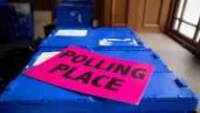 Material für Wahllokal in Großbritannien