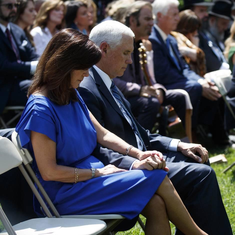 """Neue Biografie: US-Vizepräsident Mike Pence - der """"Auserwählte"""", der """"Pinsel in Gottes Hand"""""""