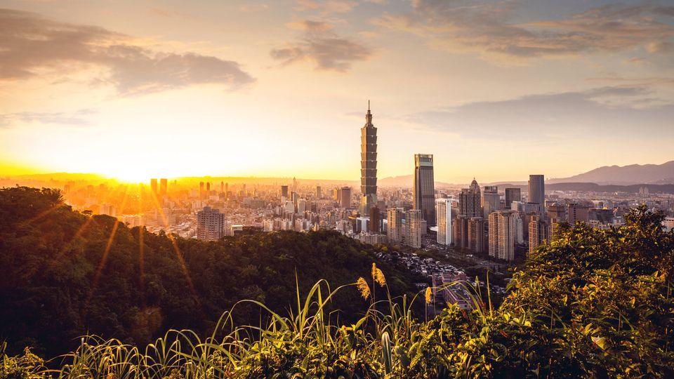 Rang 1: Taiwan  Das beste Land für Auswanderer ist laut Expat Insider Studie 2019 Taiwan. Die Insel vor der chinesischen Küste besticht durch hohe Lebensqualität. Das Land gilt als ausgesprochen sicher, die Bevölkerung als offen und freundlich. Die medizinische Versorgung ist nicht nur sehr gut, sondern auch günstig. Karrierechancen und Verdienstmöglichkeiten sind top. Einzig mit der Sprache haben Ausländer zu kämpfen.