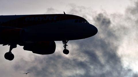 Ein Airbus von Easyjet im Landeanflug