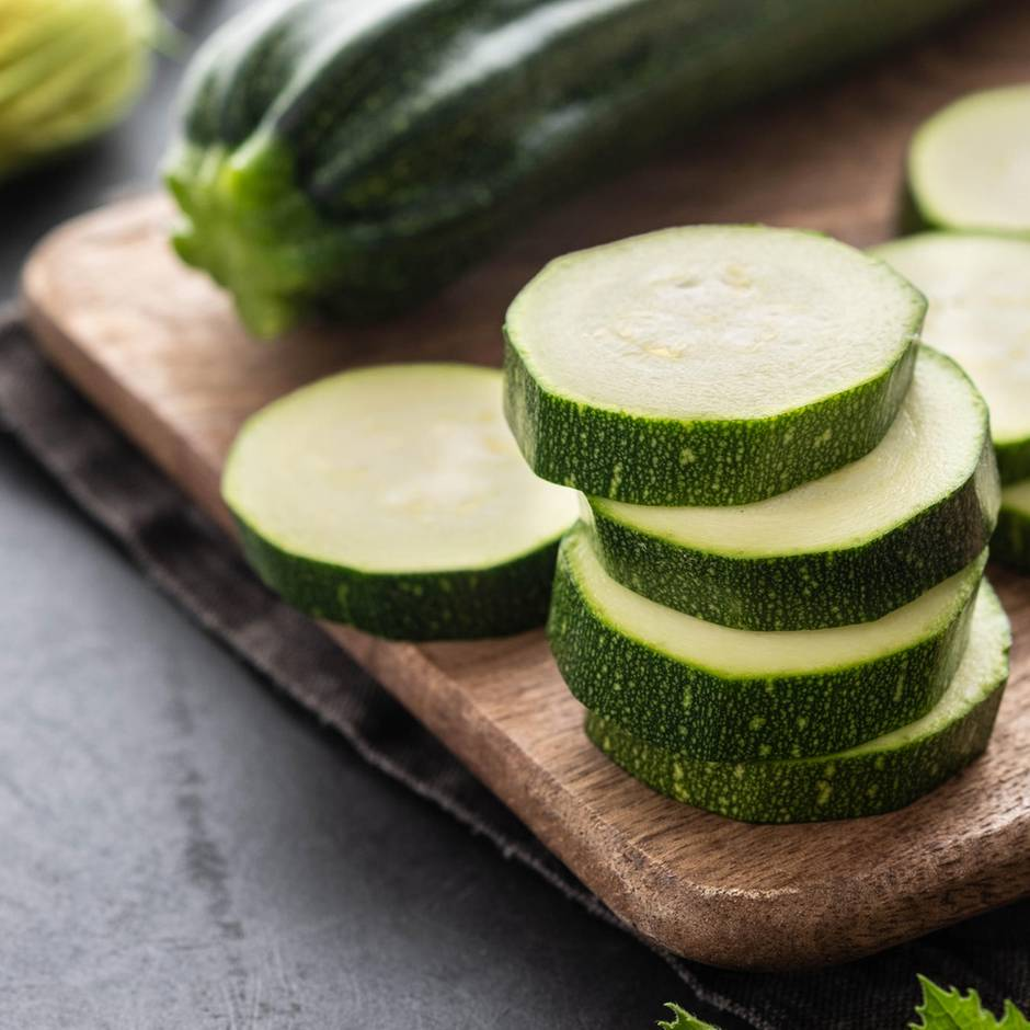 Essen mit Nebenwirkung: Tödlicher Gemüseauflauf: Warum bittere Zucchini unbedingt in den Müll gehören