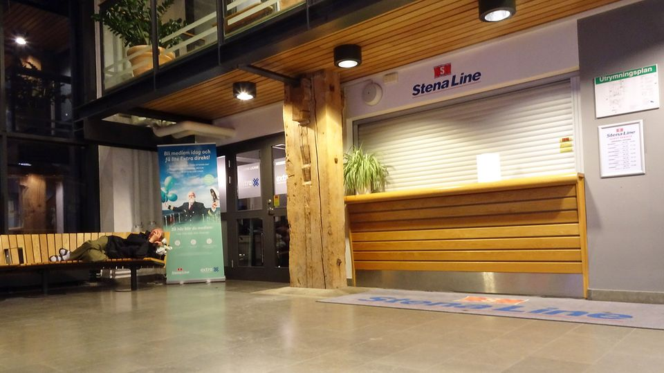In the port house of Trelleborg in Sweden: for passengers it is the waiting room, for others a dry and warm bed.