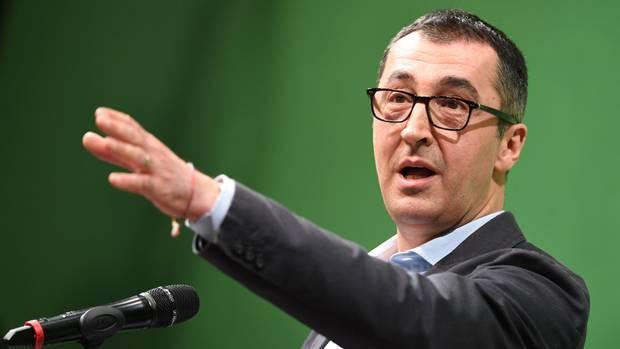 Kampfkandidatur um die Fraktionsführung der Grünen: der ehemalige Parteichef Cem Özdemir
