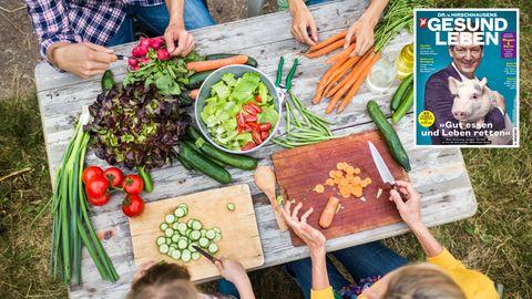 Gesunde Ernährung: Ein Tisch mit Gemüse