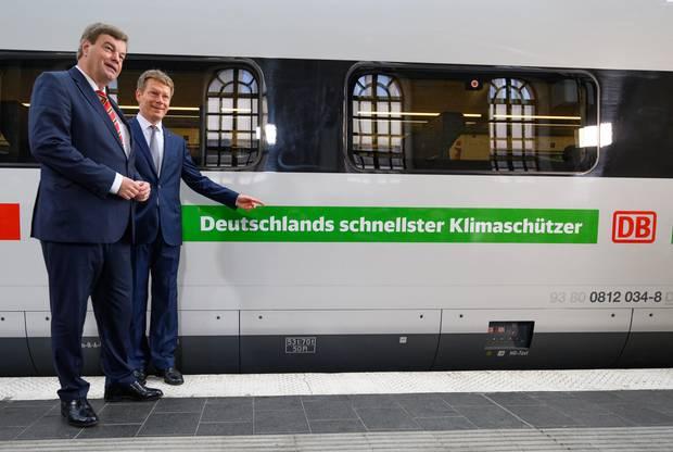 ... stellten am10. September in Berlin das neue Außendesign der ICE-Züge vor- mit einem irreführendenPR-Claim.