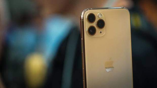 Das iPhone 11 Pro hat drei Kameralinsen.