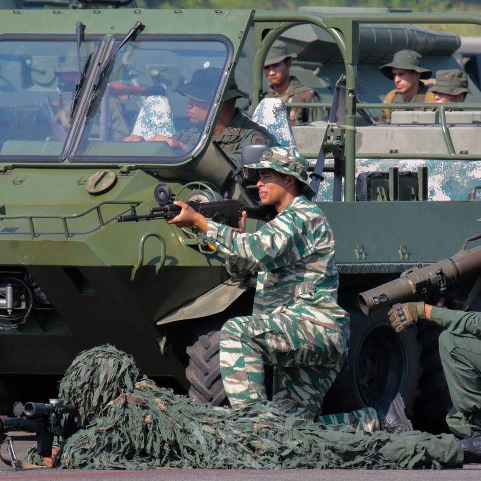 150.000 Soldaten im Einsatz: Venezuela startet gewaltiges Militärmanöver an Grenze zu Kolumbien