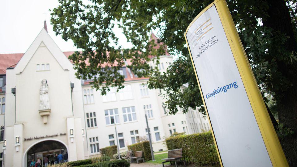 Im Sankt-Marien-Hospital in Buer wurden drei Babys mit ähnlichen Handfehlbildungen geboren.