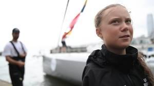 Greta Thunberg, schwedische Klimaaktivistin, spricht nach ihrer Ankunft in New York (USA)mit Journalisten