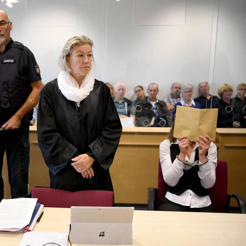 Schleswig-Holstein: Überraschende Wendung in Mordprozess: 16-jährige Tochter des Opfers verhaftet