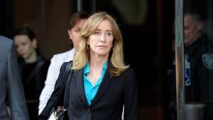 Felicity Huffman nach einem Gerichtstermin (Archiv)