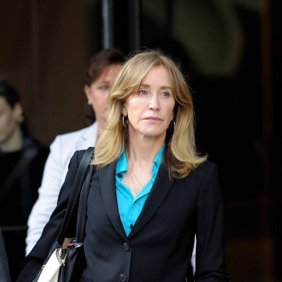 "News von heute: Betrugsskandal: ""Desperate Housewives""-Star Felicity Huffman soll 14 Tage ins Gefängnis"