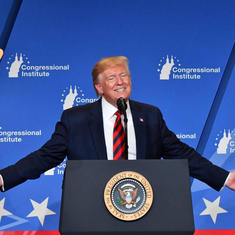"""Energiesparlampen: """"Ich sehe immer Orange aus"""": So erklärt Trump erklärt seinen seltsamen Hautton"""