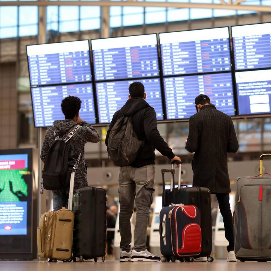 Nachrichten aus Deutschland: Mann schafft es ohne Bordkarte durch Sicherheitskontrolle des Hamburger Flughafens