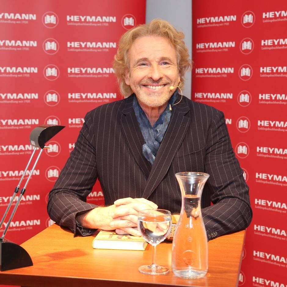 """Auftritt in Hamburg: Die Karriere im Keller: Thomas Gottschalk liest aus seinem Buch """"Herbstbunt"""""""