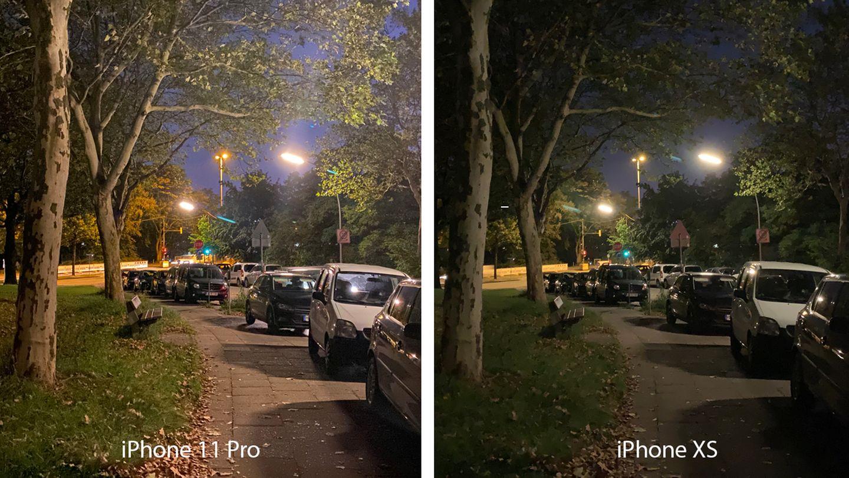 Bevor wir das iPhone XS beiseite packen, nun noch einmal das Kopf-an-Kopf-Duell mit dem Nachfolger. Das 11 Pro nimmt im Nachtmodus deutlich mehr Details auf, man kann sogar einzelne Blätter auf dem Boden und in der Baumkrone erkennen. Die nächtliche Stimmung trifft das XS für unseren Geschmack jedoch besser. Dennoch Punktsieg für das iPhone 11 Pro, schließlich könnte man das Foto im Nachgang per Bildbearbeitung abdunkeln, während nicht aufgenommene Details für immer verloren sind.
