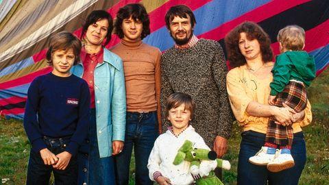 Familie Strelzyk und Wetzel mit ihrem Ballon
