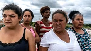 In der Favela Menino Chorão haben Frauen die Macht übernommen, angeführt von Dona Carmen (weißes T-Shirt)