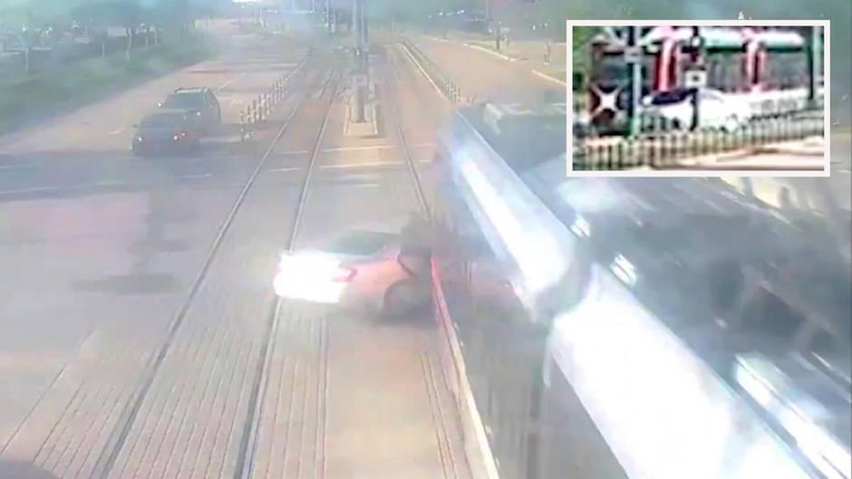 Autofahrerin kollidiert mit einer Straßenbahn