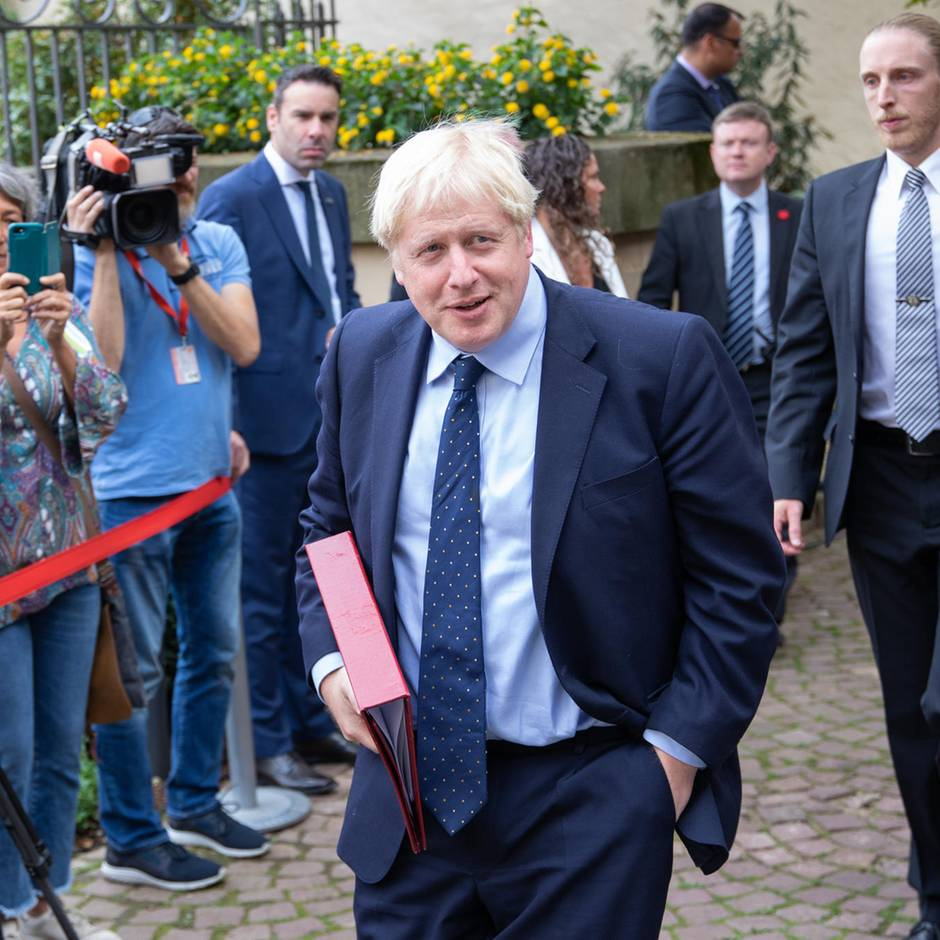 Britischer Ex-Premierminister: David Cameron bricht sein Schweigen – und rechnet auf 752 Seiten ab