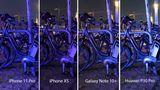 Nun treten wieder vier Smartphones an. Das Motiv: ein angeschlossenes Fahrrad in der sehr dunklen Hamburger Speicherstadt. Huawei und das iPhone XS wirken beide detailarm. Das Fahrrad wird sowohl vom Galaxy Note als auch dem iPhone 11 gut eingefangen. Beim Apple-Smartphone sind trotz der dunklen Szenerie aber noch mehr Details am Boden erkennbar.