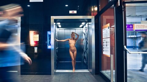 "Aktfotografie: ""Urban Nude"": Mutige Aktfotografien im Kampf gegen den Blutkrebs"