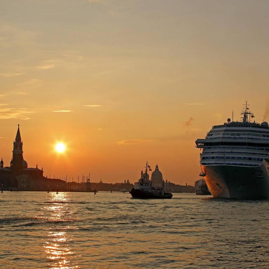Umweltschutz: Ärger über Abschlussfahrt mit Kreuzfahrtschiff: Ausgerechnet Schüler lösen Klima-Debatte aus