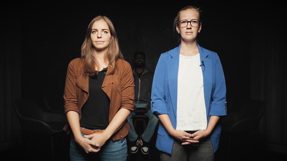 Jägerin Alena Steinbach und Peta-Aktivistin Lisa Kainz