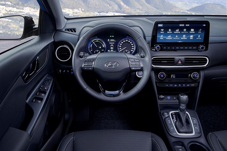 Das Cockpit wurde von den anderen Hyundai Kona-Modellen übernommen