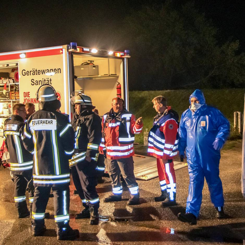 Nachrichten aus Deutschland: Rätselhafte Massenerkrankung in Zeltlager: Helfer nähern sich Betroffenen nur in Schutzkleidung
