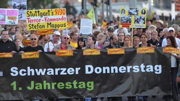 Großdemonstration in Stuttgart