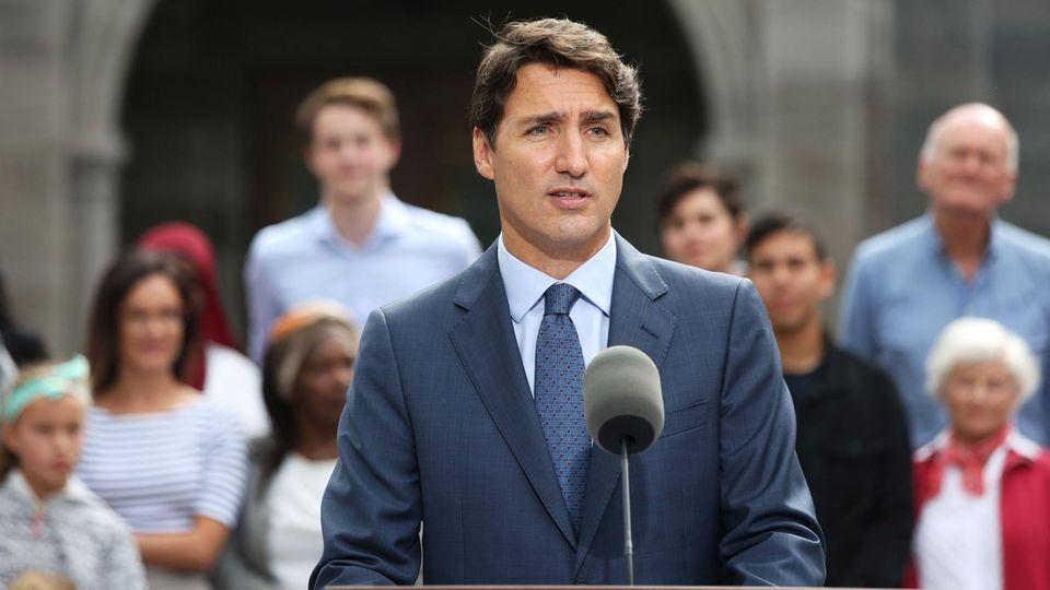 """Kanadas Premier Justin Trudeau entschuldigt sich für """"arabisches"""" Make-Up vor 18 Jahren"""
