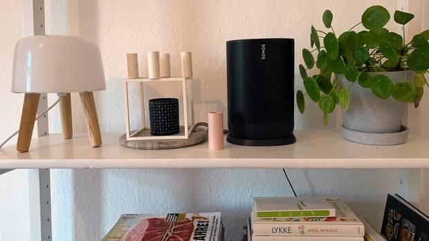 Das schlichte Design macht sich auch im Wohnzimmer gut