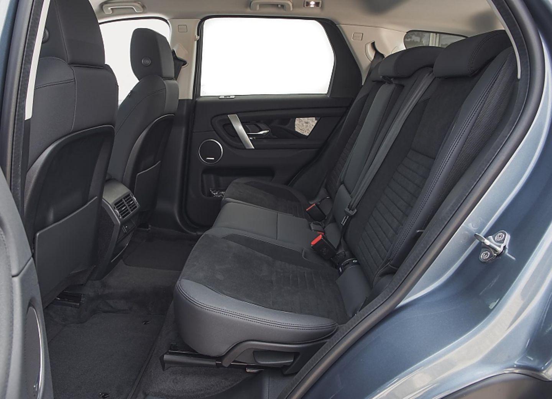 Auch hinten ist reichlich Platz im Der neue Land Rover Discovery Sport