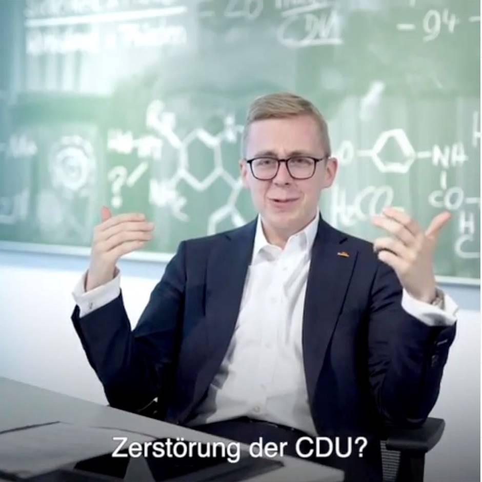 """ZDF-Sendung """"Markus Lanz"""": Amthor zeigt Ausschnitt seines Antwort-Videos an Rezo - dann wird es peinlich"""