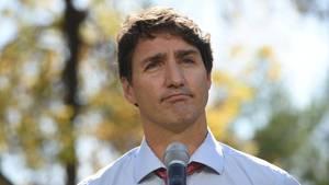 Kanadas Premier Justin Trudeau hat vor Wahl Ärger mit alten Kostümbildern