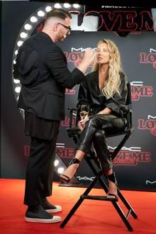 Sylvie Meis wurde bei einem MAC-Event live geschminkt