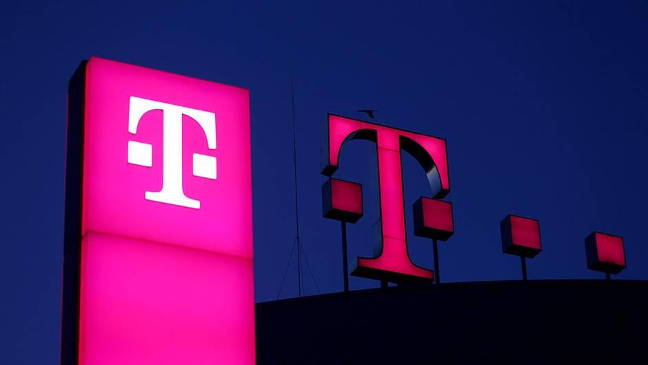 Die Telekomsteigt groß ins Fußball-Geschäft ein