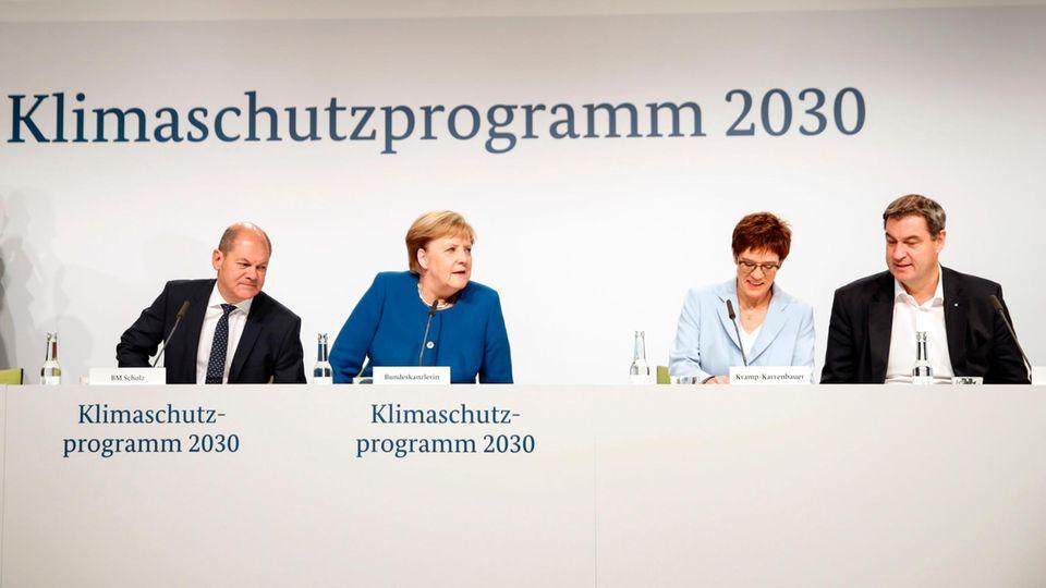 Olaf Scholz (SPD), Angela Merkel (CDU),Annegret Kramp-Karrenbauer (CDU) und Markus Söder (CSU) bei der Pressekonferenz zum Klimaschutzprogramm 2030.