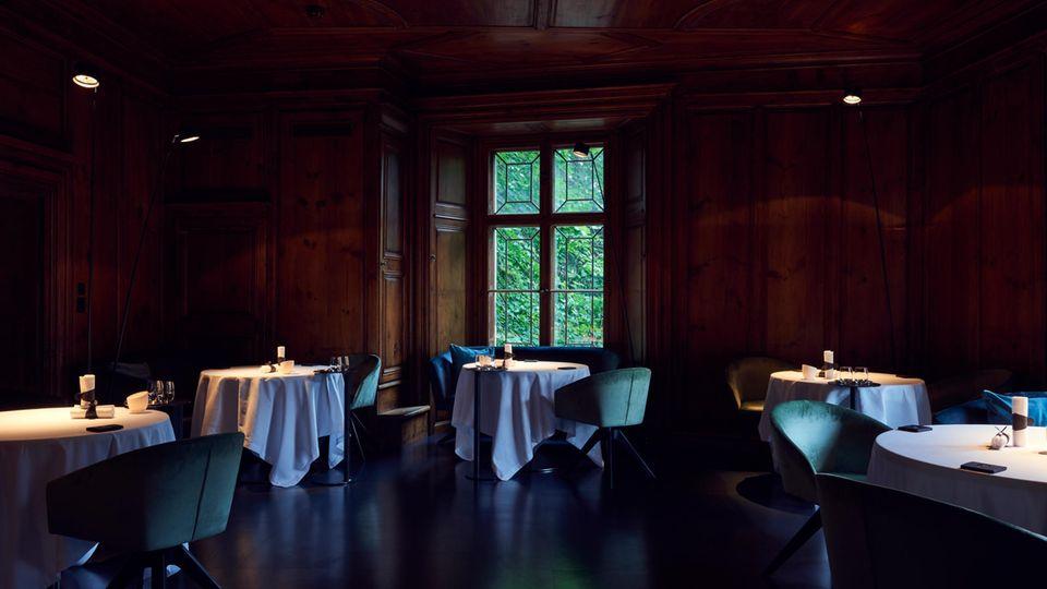"""Andreas Caminada wurde mit dem Nachhaltigkeitspreis der """"50 Best Restaurants"""" ausgezeichnet"""