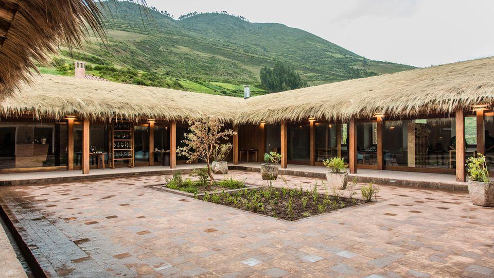Das Restaurant Mil liegt an einem abgelegenen Ort, unweit der archäologischen Stätte Moray im Heiligen Tal der Inka, nördlich von Cusco