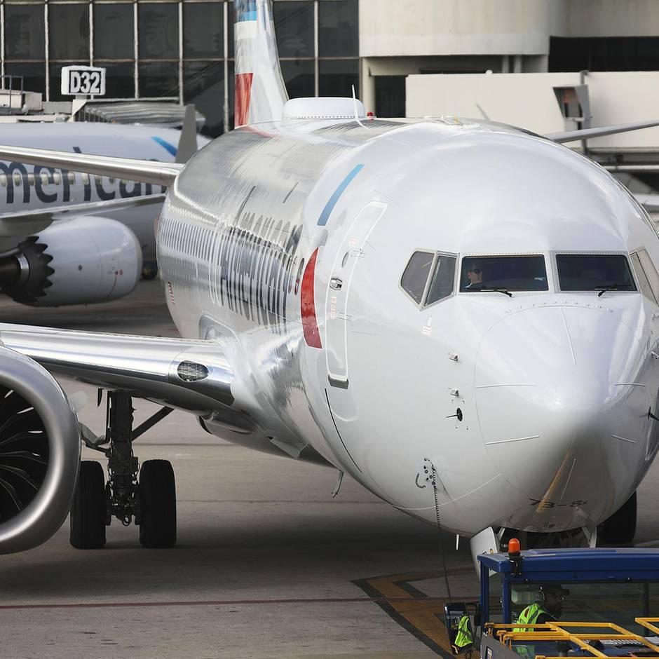 Navigationssystem manipuliert : Verbindungen zum IS? Flugzeug-Mechaniker soll Passagier-Jet sabotiert haben