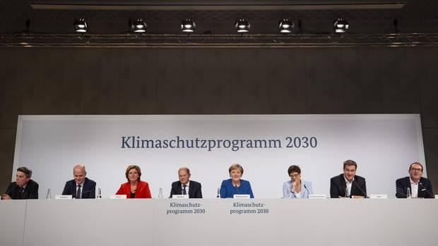 """Die GroKo verkündet das Klimapaket: """"Die Maßnahmen werden niemals ausreichen, um die Klimaschutzziel für 2030 zu erreichen."""""""